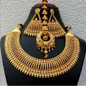 3 pc necklace set